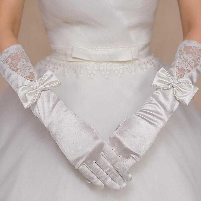 シックでお姫様感満載なロンググローブ プリンセスラインのドレスによく合う☆彡 ロンググローブ ウェディンググローブ ウエディンググローブ おトク 刺繍 ブライダル小物 大幅値下げランキング ウェディング小物 gvl26yh