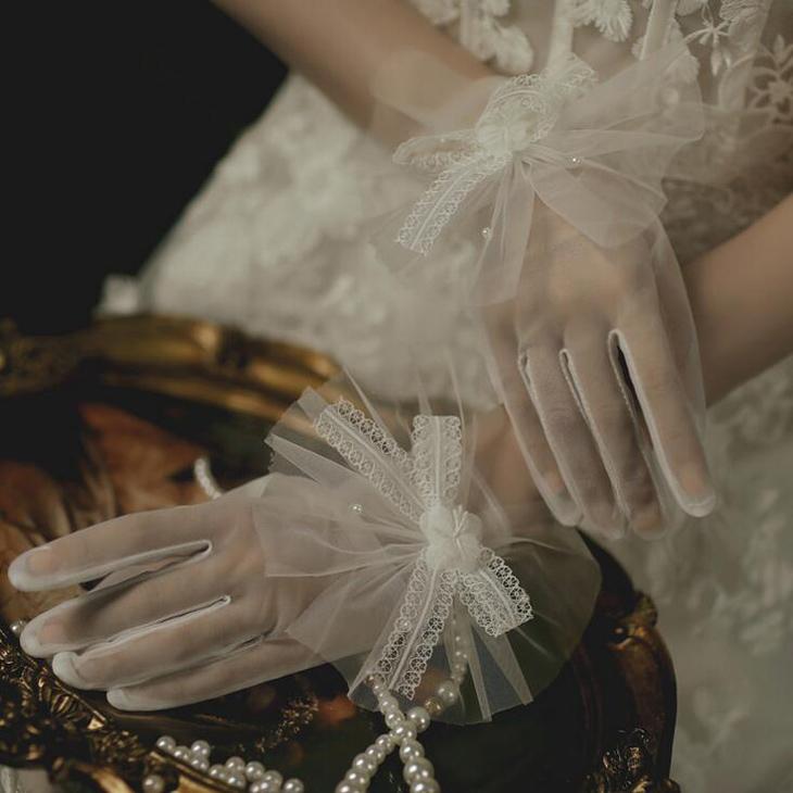彩れるショートウェディンググローブ☆彡 ショートグローブ ウェディンググローブ Wedding 全国どこでも送料無料 Gloves ブライダル小物 評価 ウェディング小物 オフホワイト ウエディンググローブ gvs60as