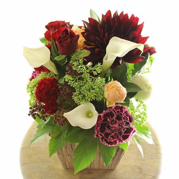 アレンジメントフラワーSサイズ Vivid Red(赤系)※デザイナーが手がけるお洒落な一品結婚祝い 入籍祝い ブライダル ウェディング 婚約 贈り物 フラワーギフト プレゼント お祝い お花 送料無料 メッセージカード無料 あす楽