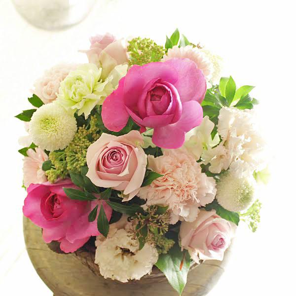 アレンジメントフラワー Round Basket(ピンク系)※デザイナーが手がけるお洒落な一品お見舞い 入院見舞い 快気祝い 退院祝い 贈り物 フラワーギフト プレゼント お祝い お花 送料無料 メッセージカード無料 あす楽