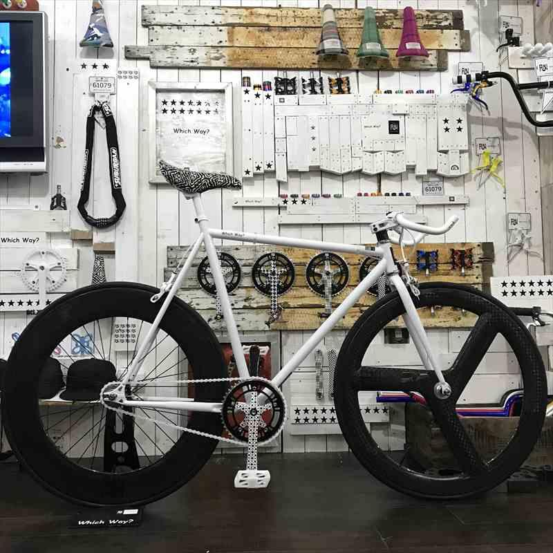 FUNホワイトファニー(610mm)フロント フルカーボンリムリア 88mmカーボンリム[自転車][BMX][ピスト][ピストバイク][カスタムパーツ][700C][23c][タイヤ][フリーギア][ホイール][700][固定ギア][ペダル][ブレーキ][ライダーズカフェ]