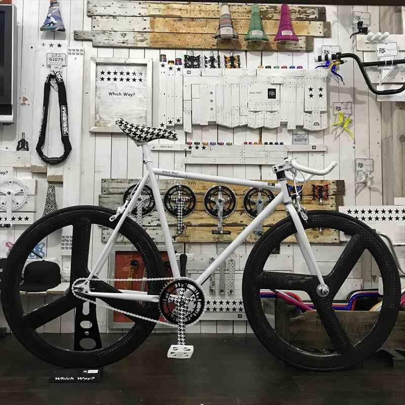 FUNホワイトファニー(610mm)フロント フルカーボンリムリア フルカーボンリム[自転車][BMX][ピスト][ピストバイク][カスタム][700C][23c][タイヤ][フリーギア][ホイール][700][固定ギア][ペダル][ブレーキ][ブルホーン]
