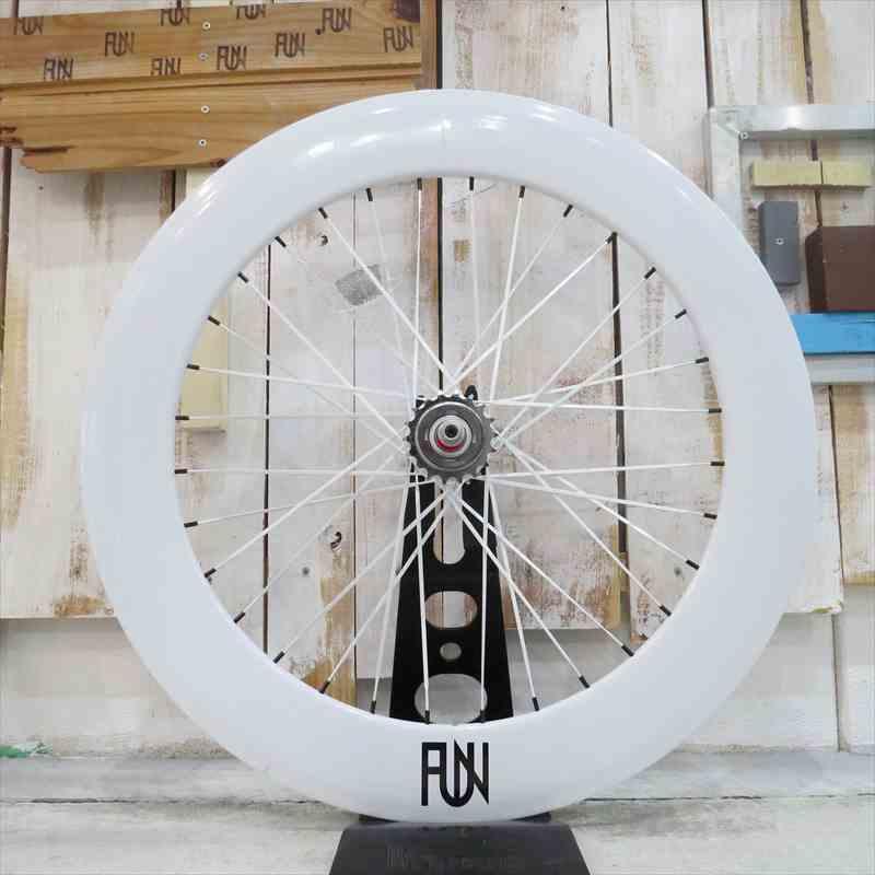 送料無料キャンペーン 『FUN』【80mm ディープリム】 ホワイト 700C※リアホイール単品[ピスト][ピストバイク][パーツ][ピストパーツ][自転車][ホイール][コグ付][クリンチャー][完組][ライダーズカフェ][700C][700][23C][タイヤ]