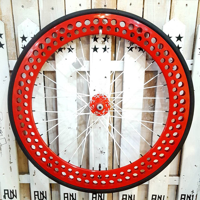 FUN 700C SODA 完組みホイールフロント レッドタイヤ・チューブ・リムテープ・セットINNOVA 700×23C ピスト ピストバイク ピストホイール ピストパーツ 自転車 23C タイヤ ライダーズカフェ