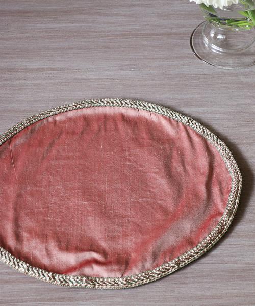 ドイリー・シルク・ローズ・アンティークブレード・L/ ドイリー ナチュラル 雑貨 北欧雑貨 かわいい フランス 北欧 イタリア テーブルウェア 自然 ナチュラル インテリア