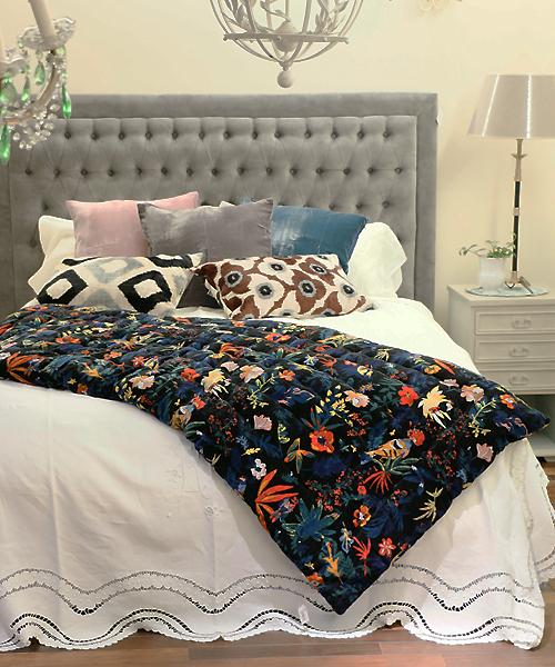 Beatrice LAVAL ベッドスロー・マトリョーシカ・80x180 / ベッドカバー 秋 冬 春 ベロア ベルベット フラワー 花柄