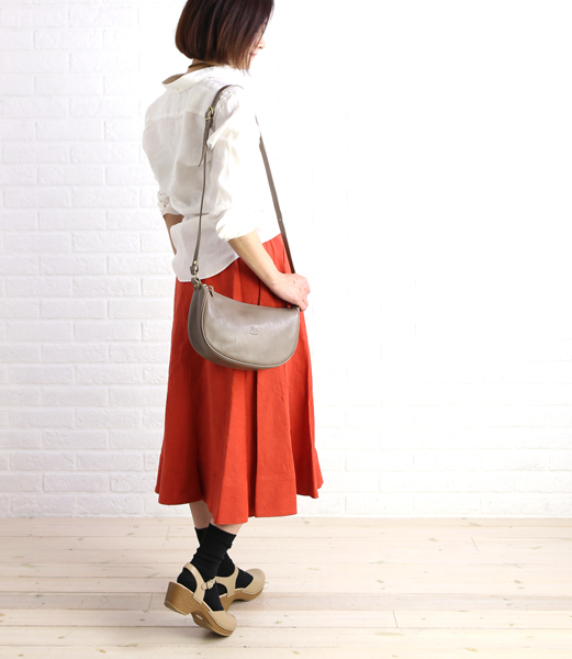 IL BISONTE (ilbizonte) 皮革半型肩包 (S) 5412300411 0061501
