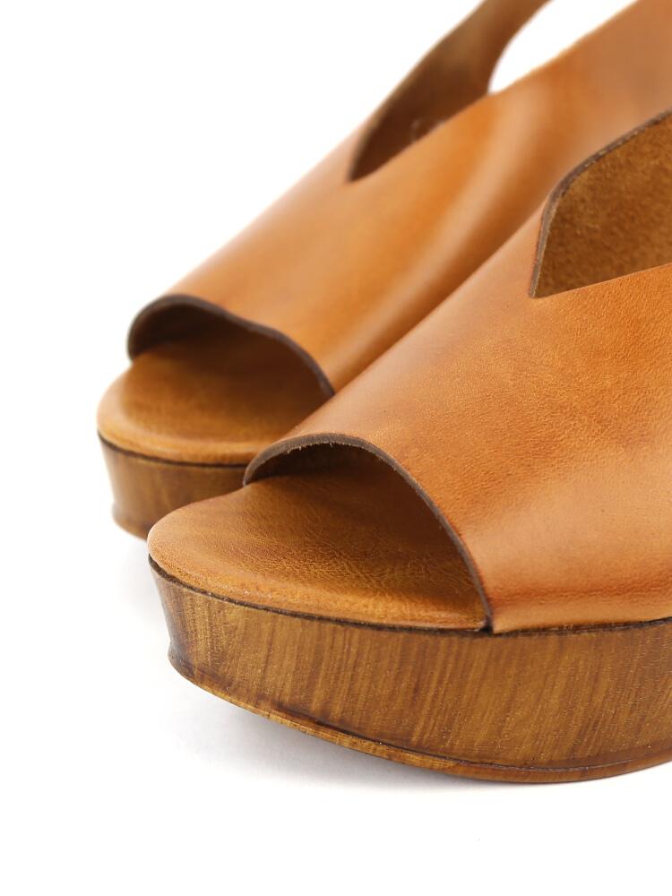 c27a5962762 etre par bleu comme bleu  Leather ankle strap Wood sole platform ...