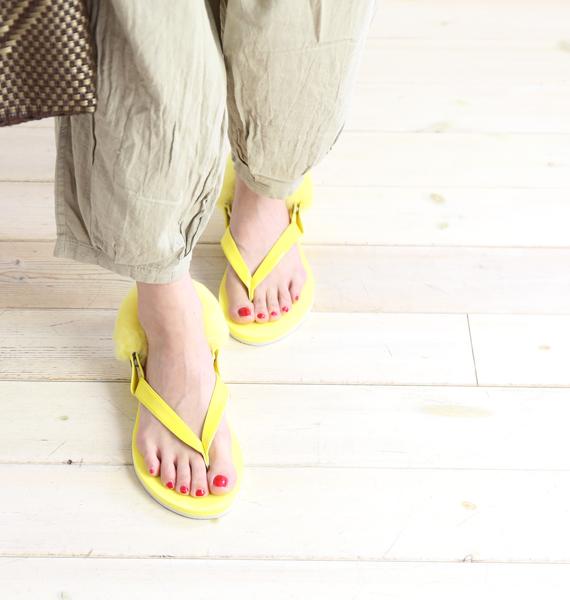 6add000c6a3 Fake patent leather X sheep fur backstrap tong sandals W LAALAA  .1090387-2,541,801