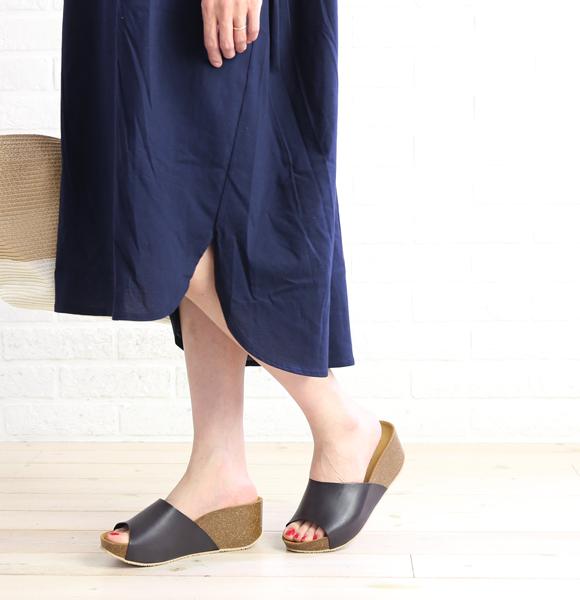 2e4fd4337f2 etre par bleu comme bleu  Leather comfort platform sandals