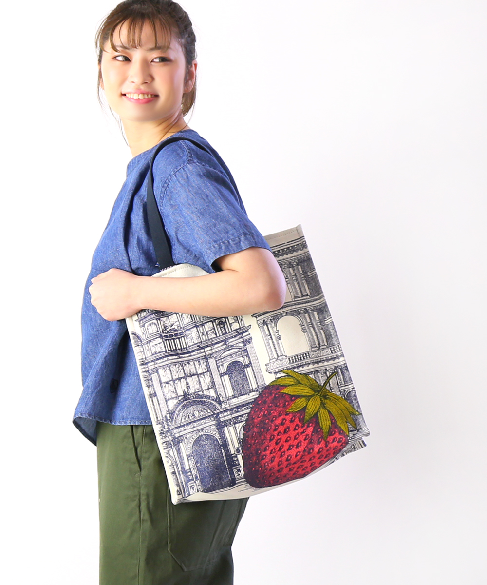 e0907e0e8 Cotton canvas strawberry print length long tote bag STRAWBERRY STREET BAG,  MA9SSTR06-0311901