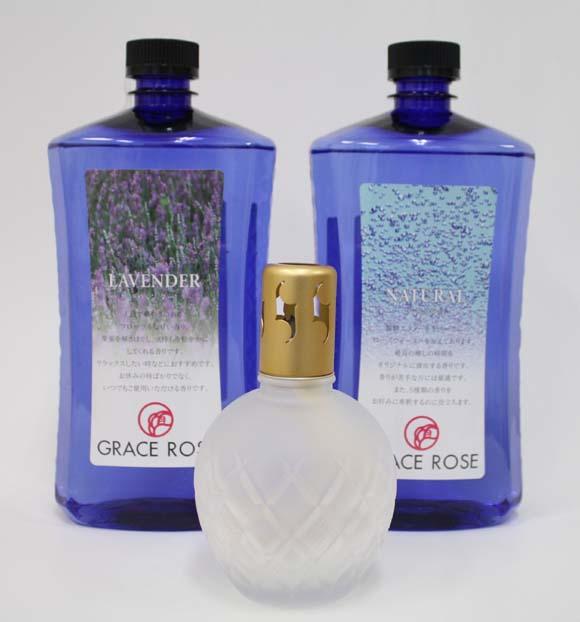 植物性発酵エタノールをベースとしたアロマオイル(エッセンシャルオイル)です。 国産 アロマオイル(エッセンシャルオイル) 「ラベンダー」1本+ナチュラルオイル 1本+江戸切子職人によるランプ「フロスト」1個セット