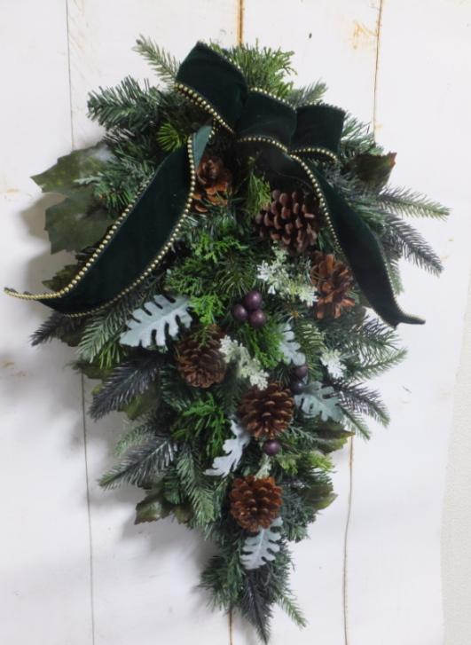 クリスマスにぴったりなスワッグよ クリスマス・スワッグ送料無料・リースグリーのスワッグ・モミのリースクリスマスリース・お祝い・誕生日生のリース・ブライダル・ウエルカムボード枯れない花・外玄関のスワッグ
