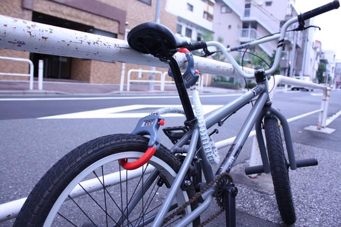 수갑형 체인 락 BIKE CUFFS 오토바이 카프 와이어 락 열쇠 락시정열쇠 도난 방지 자전거 오토바이