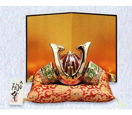 【九谷焼】6号兜 盛 8布団・木札・屏風付)  5月人形