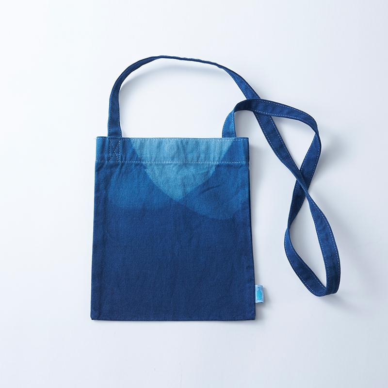 ブルーボトルコーヒー Blue Bottle Coffee メーカー在庫限り品 BLUE BOTTLE COFFEE BUAISOU 日本製 Travel サコッシュ × Sacoche トラベル