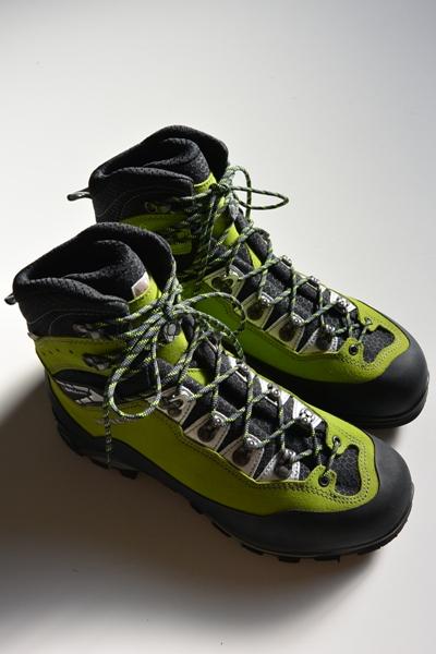 ローバー チェベダーレ プロ ゴアテックスLOWA CEVEDALE PRO GTX【登山靴/アルパイン/クライミング/シューズ/トレッキング】