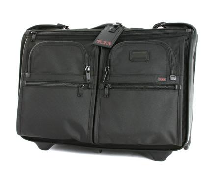 크리스마스 세일 ' TUMI 22033DH Wheeled Carry On Bag Garment 운반 케이스 블랙