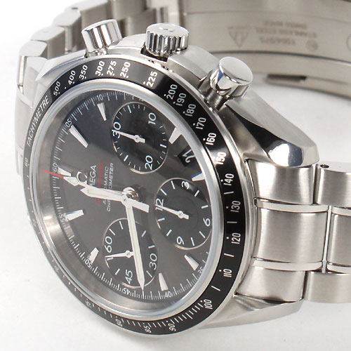 OMEGA Speedmaster Date / Day-Date Chronograph 40 mm Date 323.30.40.40.06.001