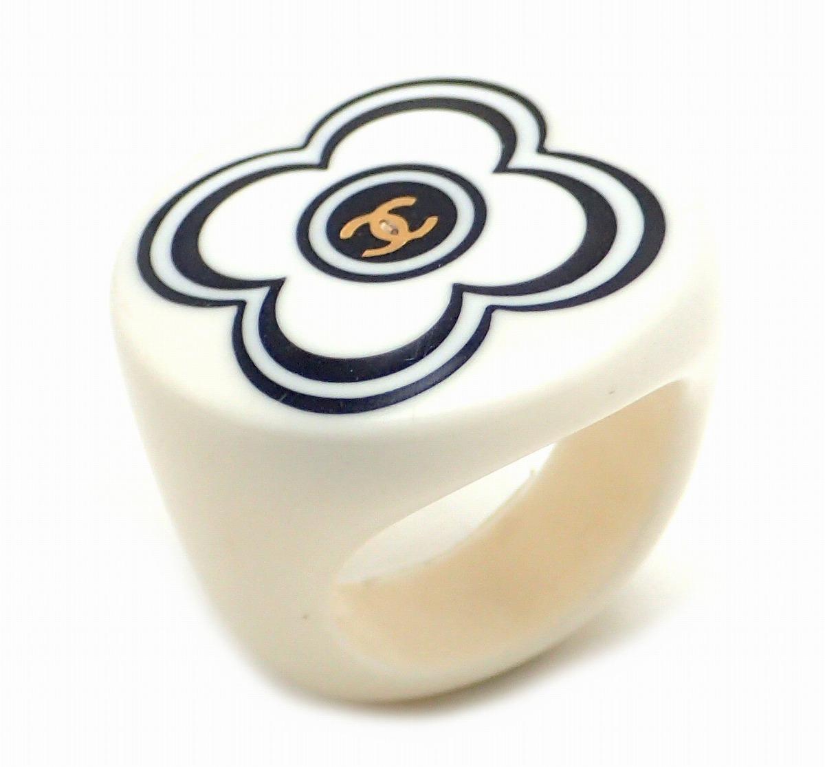 【ジュエリー】CHANEL シャネル カメリア ココマーク リング 指輪 プラスティック ブラック 黒 ホワイト 白 00A 13.5号 #13.5 【中古】【k】