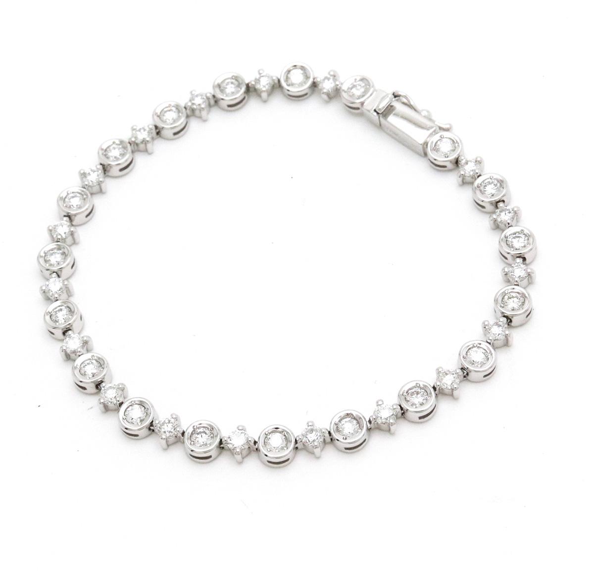 【ジュエリー】【新品仕上げ済み】DEBEERS デビアス デ ビアス LINE ライン ダイヤ テニス ブレスレット ブレス 750WG ホワイトゴールド ダイヤモンド ダイヤ D2.60ct 【中古】