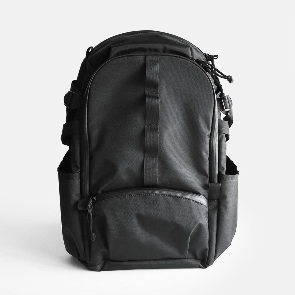 kirahvi yhdeksan / Backbone pvc coated nylon black【kirahvi9/キラハビーユフデクサン/バックパック/ブラック/PVCコーテッドナイロン/バッグ】[114128