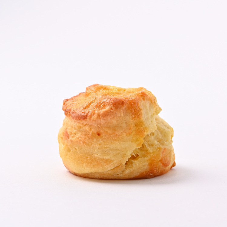 バター香るサクッとふわっと食感 ほんのりチーズ スコーン チーズ 海外輸入 2個入り お取り寄せ 美味しい おすすめ 期間限定 人気 焼き菓子 冷凍発送