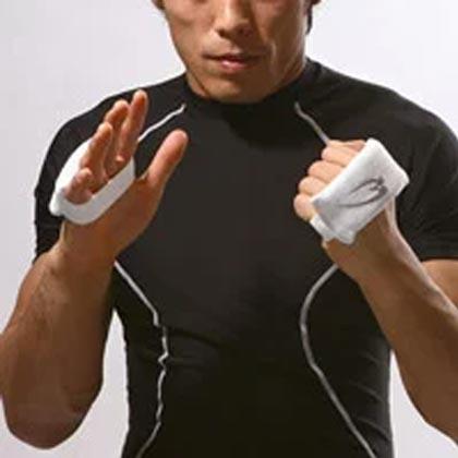 メーカー直売 ナックルプロテクター 1組 BODYMAKER ボディメーカー 超人気 格闘技 空手 お気にいる 道場 練習 総合格闘技 ボクシング LP_karate_sa キックボクシング