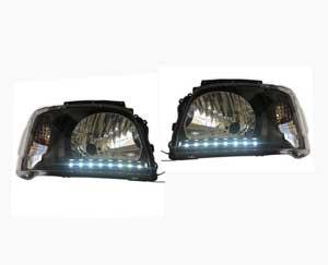200系 ハイエース 1型,2型 ホワイト 8発 LED ライン付き ブラック ヘッド ライト