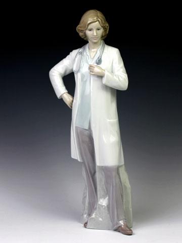 リヤドロ(Lladro リアドロ 陶器人形 置物) 婦人 頼れるドクター#ldr-8189