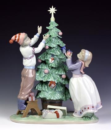 リヤドロ(Lladro リアドロ 陶器人形 置物) クリスマス ツリーを飾ろう#ldr-5897