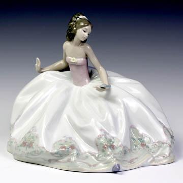 リヤドロ(Lladro リアドロ 陶器人形 置物) 乙女 お祭り一休み#ldr-5859