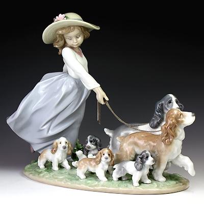 リヤドロ(Lladro リアドロ 陶器人形 置物) 犬と少女 仔犬たちの行進 #ldr-6784