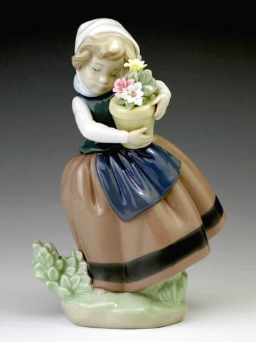 リヤドロ(Lladro リアドロ 陶器人形 置物) 花と少女 春が来た#ldr-5223