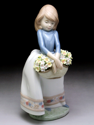 リヤドロ(Lladro リアドロ 陶器人形 置物) 花と少女 五月の花#ldr-5467