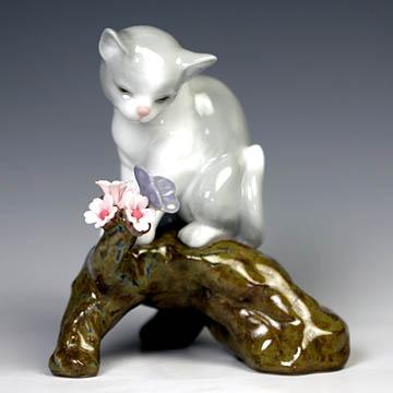 リヤドロ(Lladro リアドロ 陶器人形 置物) 動物 桜の咲くころ(仔猫)#ldr-8382