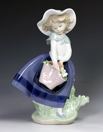 リヤドロ(Lladro リアドロ 陶器人形 置物) 花と少女 綺麗な花ばかり#ldr-5222