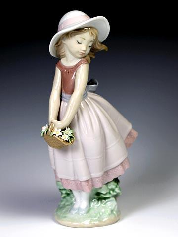 リヤドロ(Lladro リアドロ 陶器人形 置物) 花と少女 花の小径#ldr-8246