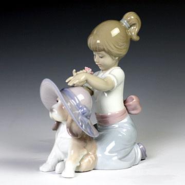 リヤドロ(Lladro リアドロ 陶器人形 置物) 犬と少女 おめかししようね #ldr-6862