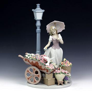 リヤドロ(Lladro リアドロ 陶器人形 置物) 花と少女 花の街角(限定品)#ldr-6809