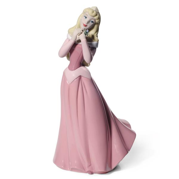 【送料無料※一部地域除く】NAO リヤドロ社ディズニー オーロラ姫眠れる森の美女