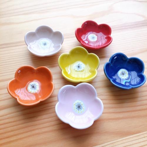 箸置き 小花 瑠璃色日本製 売却 新入荷 流行 波佐見焼