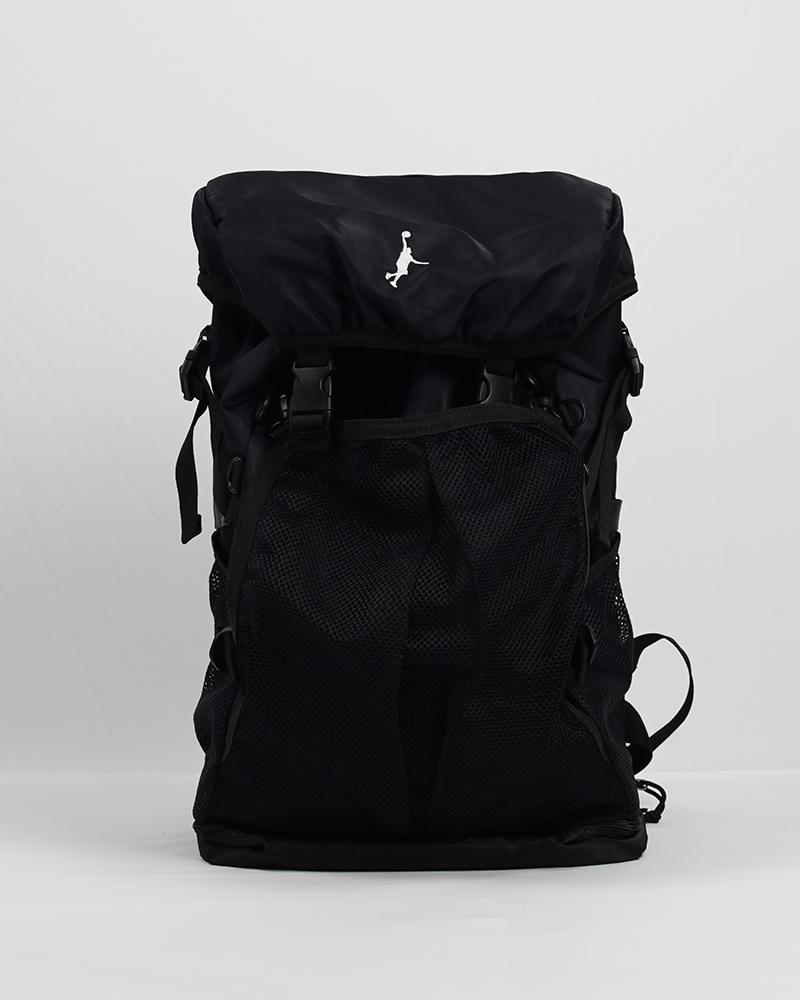 メーカー再生品 バスケットボール バッグ 遠征にピッタリ 定番人気 値下げ 大きいバックです IN THE PAINT インザペイント ブラック バッグバックパック ディパック ITP14356-BLK デイバック バスケ Dパック リュックサック デイパック