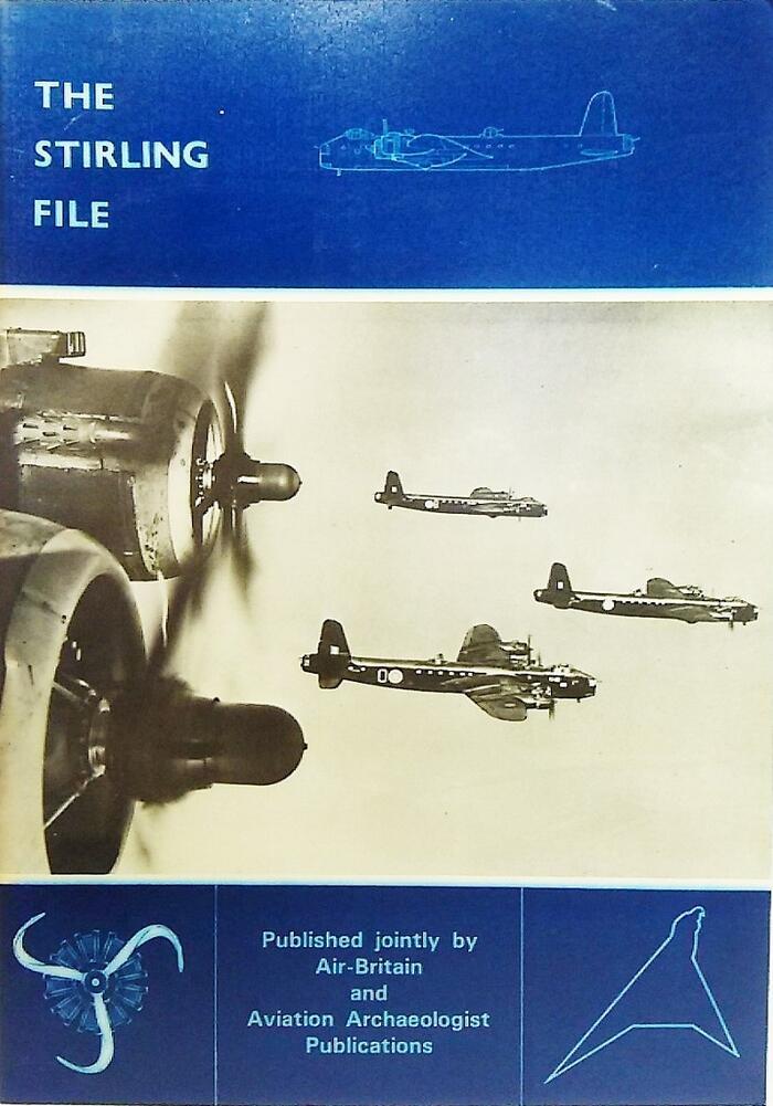 イギリス空軍の第二次世界大戦で使用したスターリング戦闘機の解説 英語洋書です お得 中古 THE STIRLING FILE 格安 Britain Gomersall Bryce Ltd Air Historians