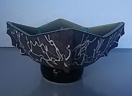 花器 2020春夏新作 定番キャンバス 花瓶 特殊形状皿型 希少品 幅約17cm×17cm 中古品 高さ約10cm
