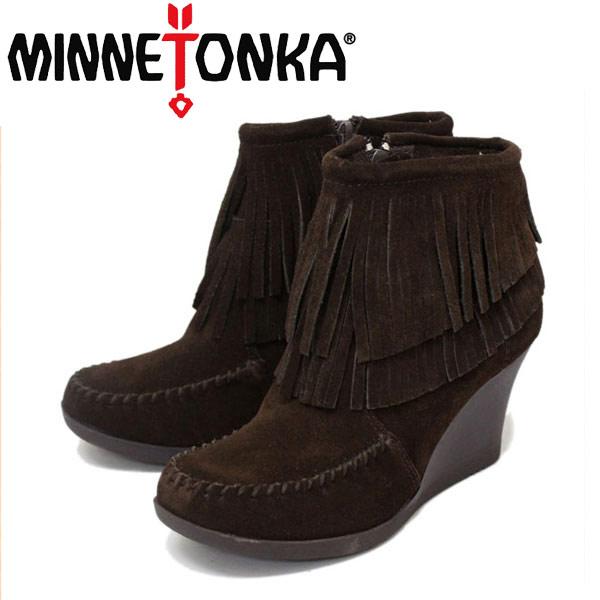 正規取扱店 MINNETONKA(ミネトンカ) Double Fringe Ankle Wedge Boot(ウェッジブーツ) #84016 CHOCOLATE レディース MT240