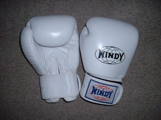 【入荷しました】ウィンディマジック式ボクシンググローブ8オンス格闘技 ムエタイ K-1