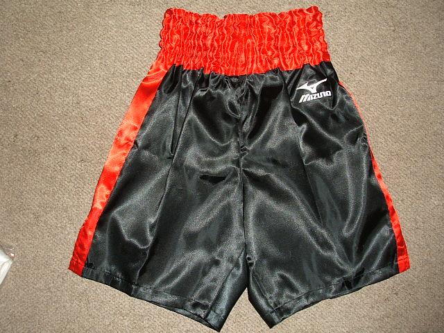 【一部サイズ即納】サテン ミズノボクシングパンツ(黒x赤)
