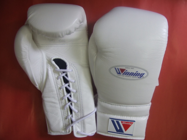 winning gloves (IN STOCK at AMERICA-YA )  WINNING 14 oz of boxing gloves  professional use lace up in STANDARD COLORS