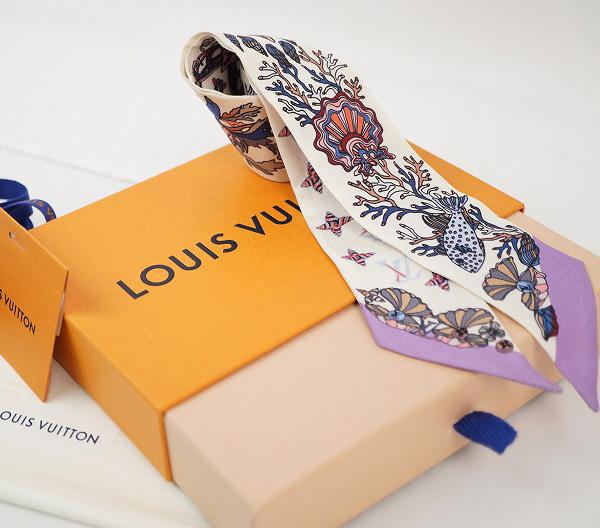 LOUIS VUITTON ルイ・ヴィトンバンドー スカーフシルク100%・ホワイト・パープル系【LOUIS VUITTON】【ルイヴィトン】【スカーフ】【シルク】【バンドー】【中古】